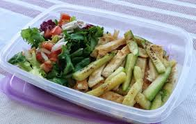 Los tuppers basados en vegetales son una buena opción para comer sano fuera de casa