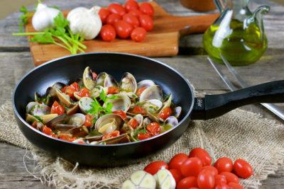 Nutrición Donostia te presenta su ensalada de pasta marinera, una magnifica forma de disfrutar de la buena comida mientras adelgazas y pierdes peso de forma constante. Para pedir más recetas consulta a tu nutricionista de amara