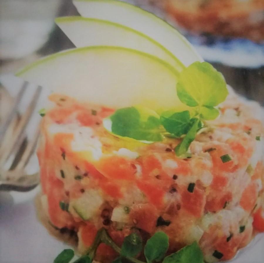 receta de tartar de salmón y manzana ácida con jengibre. una elaboración especial de tu dietista en san sebastian, vanessa blázquez. Pide cita en su consulta de san sebastian y dsfruta con todas sus recetas
